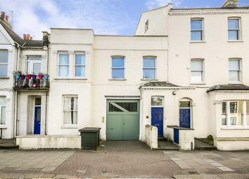 Thumbnail 1 bed flat to rent in Putney Bridge Road, London