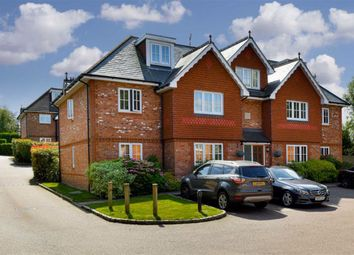 2 bed flat for sale in Highdown Close, Banstead, Surrey SM7