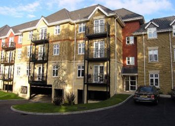Thumbnail 2 bed flat to rent in London Road, Bushey