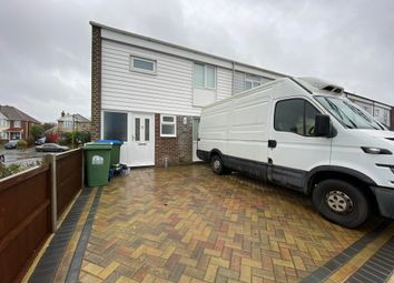 3 bed property to rent in Mercury Close, Southampton SO16