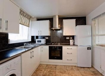 Thumbnail 5 bed flat to rent in Hanbury Street, London