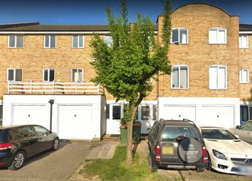 4 bed town house to rent in Grimsby Grove, London E16