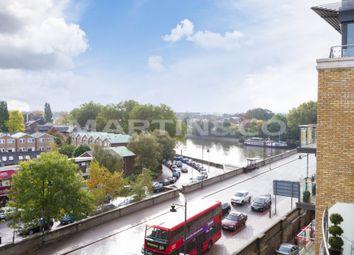 Thumbnail 3 bedroom flat for sale in Kew Bridge Road, Brentford