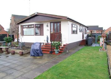 Thumbnail 2 bedroom mobile/park home for sale in Riverside Park, Burton-On-Trent