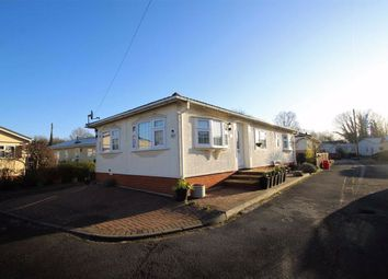 2 bed mobile/park home for sale in Mayfield Park, West Drayton, Middlesex UB7