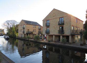 Thumbnail 2 bed flat for sale in Ravens Lane, Berkhamsted
