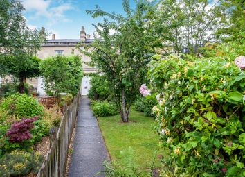2 bed terraced house to rent in Worcester Place, Bath BA1