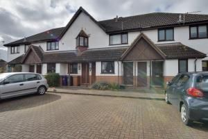Thumbnail 2 bed property to rent in Hampden Close, Letchworth Garden City