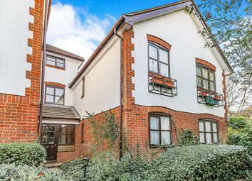 Thumbnail 1 bed flat to rent in Lenelby Road, Surbiton