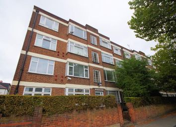 Thumbnail Flat for sale in High Road, Finchley