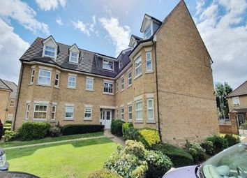 2 bed flat to rent in The Courtyard, Brentwood CM15