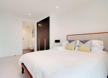 Southwark Bridge Road, London SE1. 3 bed flat