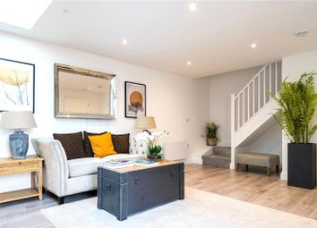 High Street, Hampton Wick, Kingston Upon Thames KT1. 1 bed flat for sale