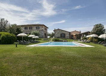 Thumbnail Hotel/guest house for sale in Via Asciano, Siena, Tuscany, Italy