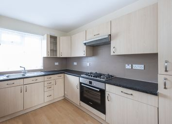 2 bed flat to rent in The Ridgeway, Stanmore HA7