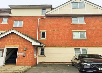 Thumbnail 2 bedroom flat for sale in Avenue Heights, Basingstoke Road, Reading