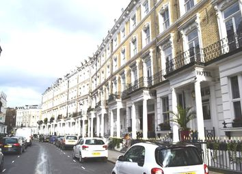 Thumbnail 2 bed flat to rent in Hograth Road, Earl's Court