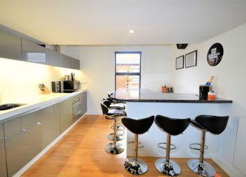 2 bed terraced house to rent in Alder Street, Salford M6
