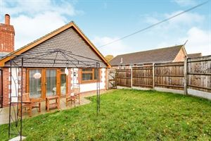 Thumbnail 2 bed bungalow to rent in Victory Avenue, Waterlooville