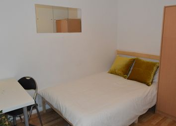 Room to rent in Varley Road, London E16