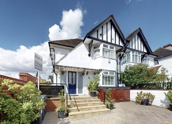 Wessex Gardens, London NW11. 3 bed flat