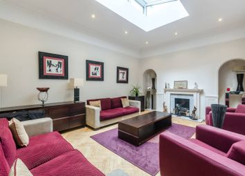 3 bed maisonette to rent in Green Street, Mayfair, London W1K