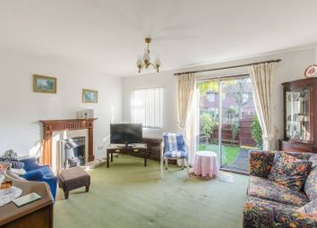 2 bed property for sale in Mossington Gardens, Bermondsey, London SE16