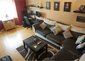 Thumbnail 2 bedroom flat for sale in Whitehall Green, Leeds