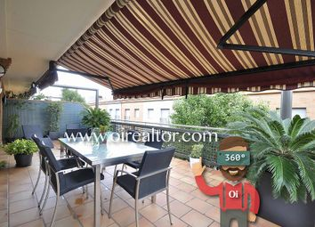 Thumbnail 2 bed apartment for sale in Riera Canyet, Badalona, Spain