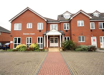 Thumbnail 1 bed property for sale in Reading Road, Winnersh, Wokingham