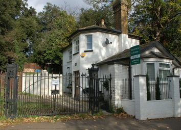 Thumbnail 2 bed property to rent in Upper Sunbury Road, Hampton