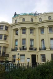 1 bed flat to rent in Brunswick Square, Hove BN3