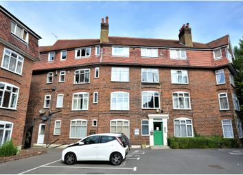 Thumbnail 4 bed flat to rent in Grosvenor Square, Southampton
