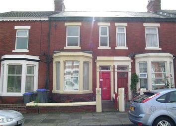 2 bed flat to rent in Myrtle Avenue, Blackpool FY3