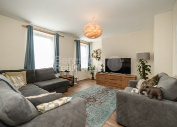 2 bed maisonette for sale in Goldsmith Road, London SE15