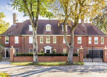 Thumbnail 5 bed flat to rent in Stoke Road, Kingston Upon Thames