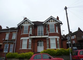 Thumbnail 5 bed terraced house to rent in Russell Rise, Luton