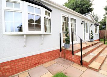 Thumbnail Mobile/park home for sale in Newlands Park Bedmond Road, Abbots Langley, Hertfordshire