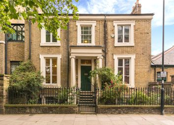4 bed property for sale in Thornhill Road, Barnsbury, Islington, London N1