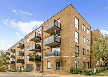 Thumbnail 2 bed flat for sale in Russells Crescent, Horley, Surrey
