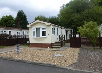 Thumbnail 2 bedroom mobile/park home for sale in Residential Park, Caddington, Luton