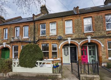2 bed maisonette for sale in Winns Avenue, Walthamstow, London E17