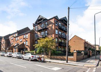 Thumbnail 2 bedroom flat to rent in Horseshoe Close, London