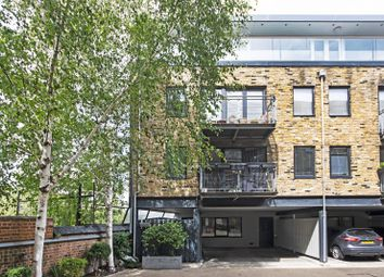 Thumbnail 2 bed flat to rent in Rufford Street, King's Cross, London