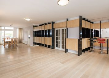 Thumbnail 4 bed flat to rent in London House, Avenue Road, St Johns Wood, Regents Park