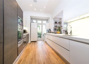 Thumbnail 5 bed flat to rent in Templewood Avenue, London