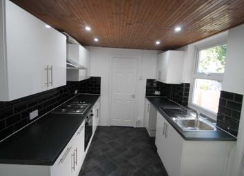 Thumbnail 3 bedroom property to rent in 2 Bedroom House, Curzon St, Reading