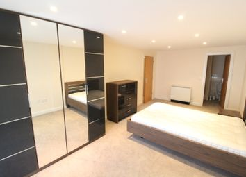 Thumbnail 3 bed flat to rent in Royal Plaza, Westfield Terrace, Sheffield
