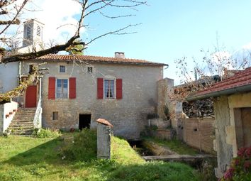 Thumbnail 2 bed town house for sale in Poitou-Charentes, Deux-Sèvres, Chef Boutonne