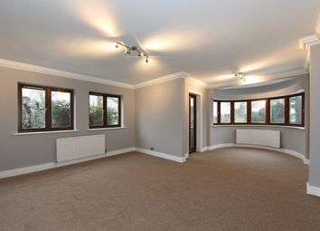 Thumbnail 3 bed flat to rent in Alandale Avenue, Finchley Central